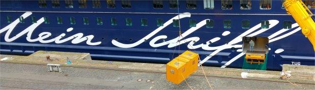 Beladung der Mein Schiff 1 - Container Catering